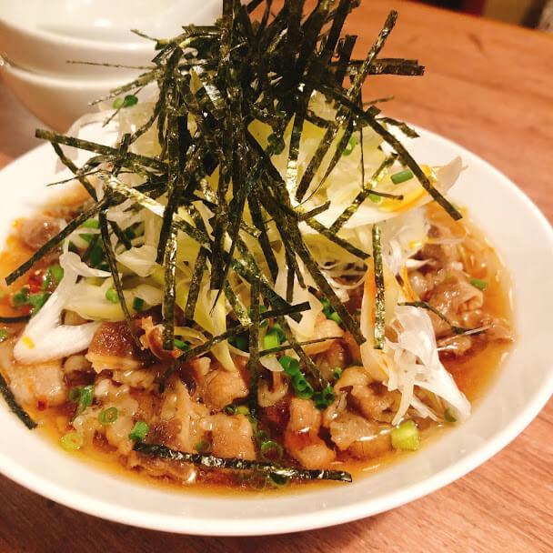 焼肉うしおの肉冷麺 680円
